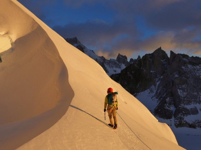 Approaching the Stanhardt Col at sunrise.